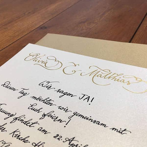 hochzeit_einladung_handgeschrieben_gold