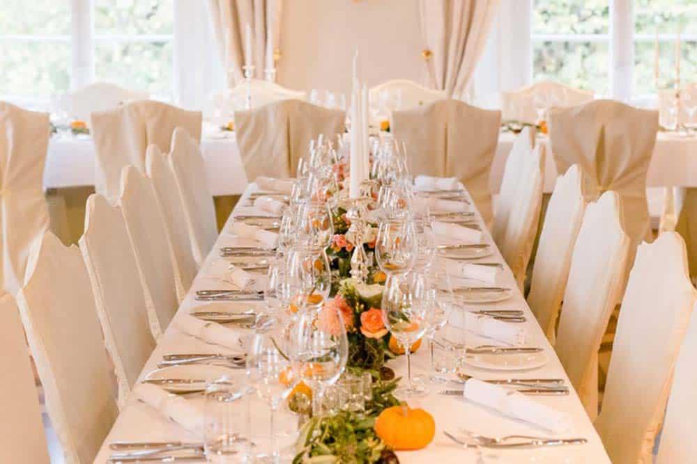 Hussen tischdecken tischdekoration ausleihen rockwedding for Hochzeitsdeko ausleihen