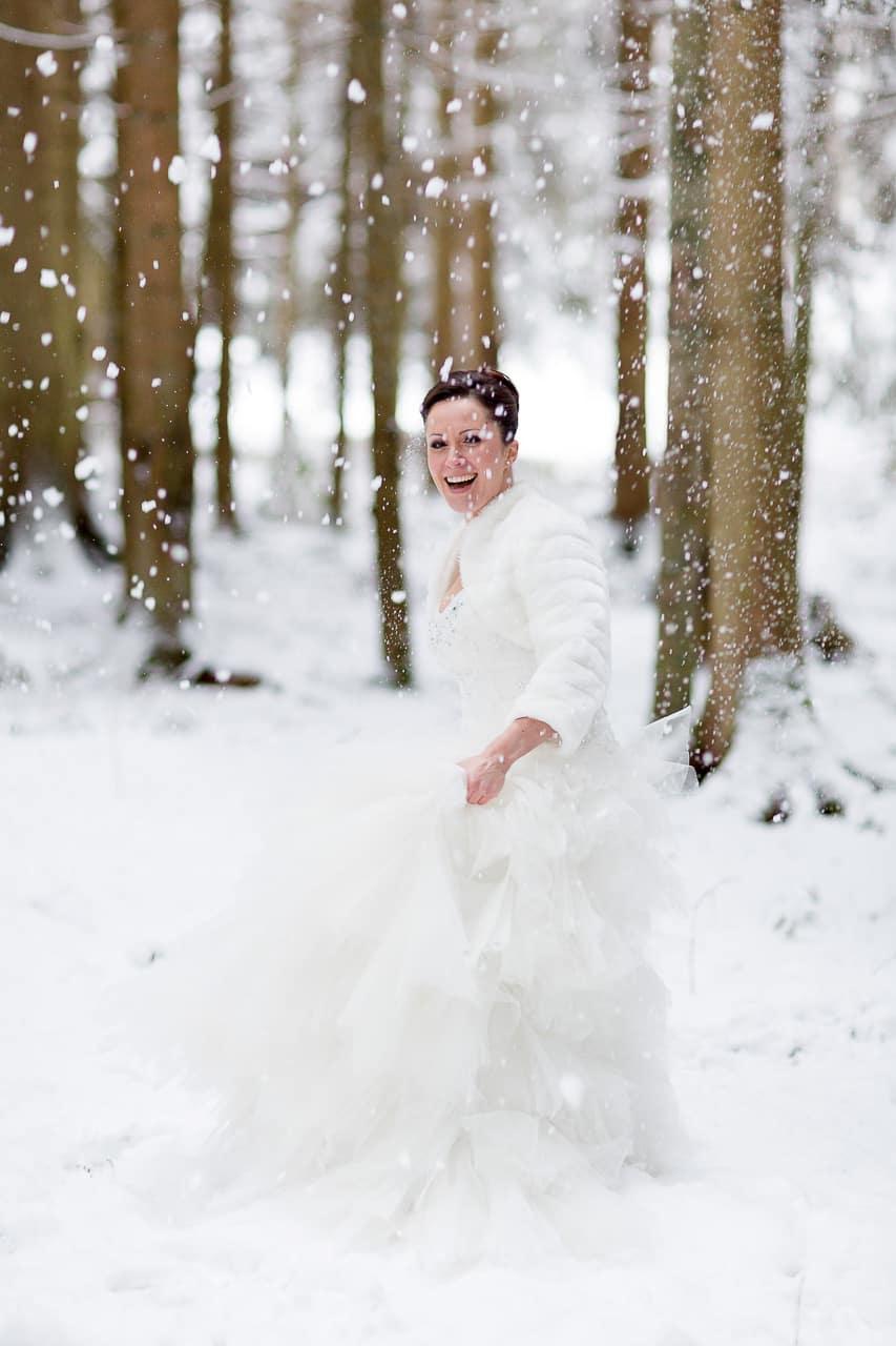 wedding-shot-snow-black-forest-by-rockwedding18