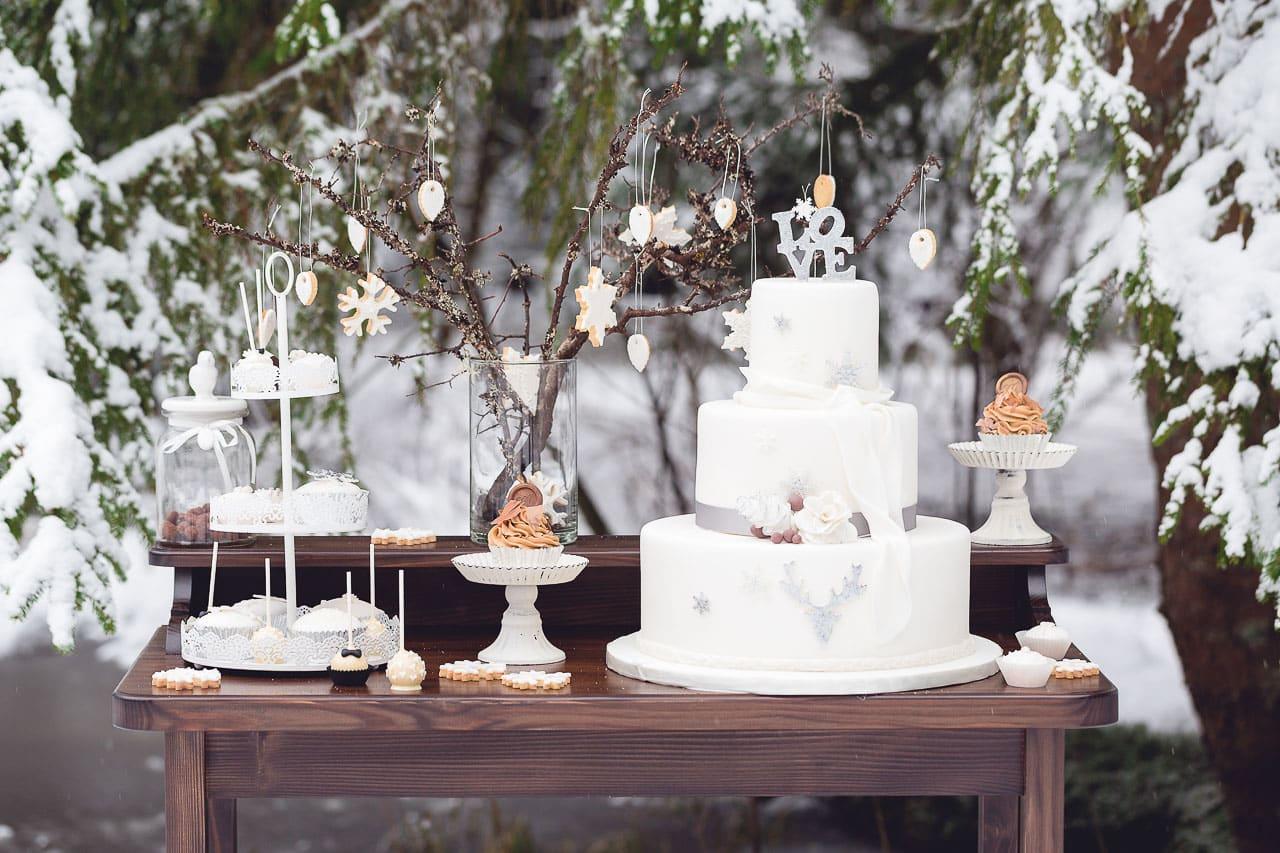 wedding-shot-snow-black-forest-by-rockwedding7