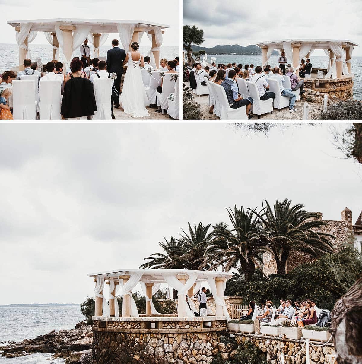 Hochzeitsgäste und das Hochzeitspaar in Mallorca.